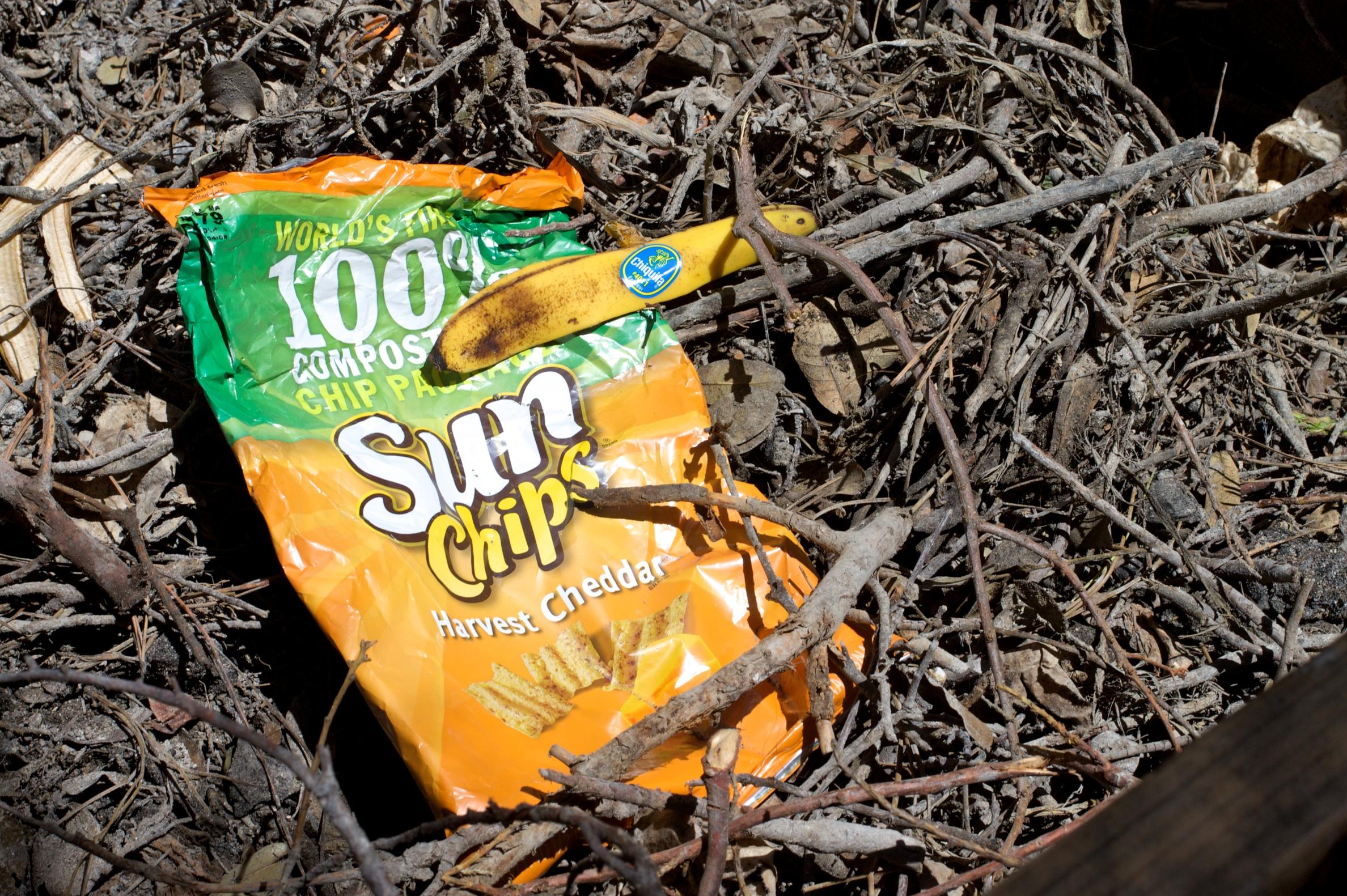 materiał biodegradowalny lub kompostowalny